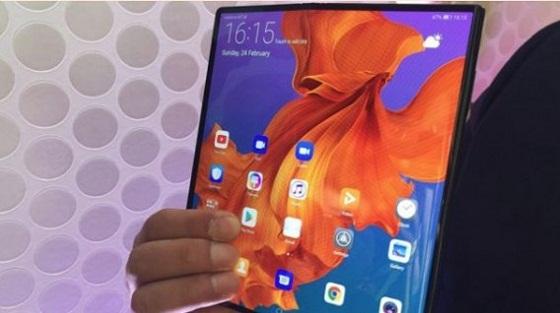 Huawei mantiene para junio lanzamiento de su móvil plegable pese a veto de Google