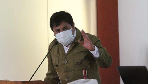 Élmer Cáceres pide al Congreso una ley para entregar dióxido de cloro
