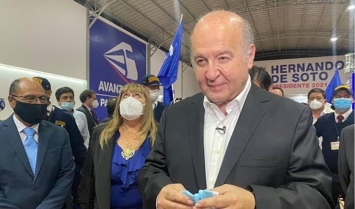 Hernando de Soto afirma que fue vacunado en Estados Unidos